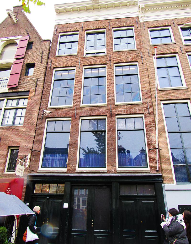 Le bâtiment où se trouve l'Annexe qui a accueilli les membres de la famille Frank en 1942.
