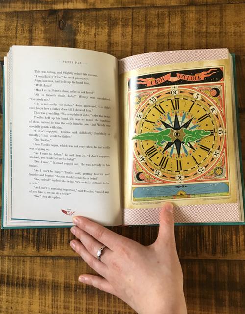Magnifique livre objet avec reliefs et effets 3D